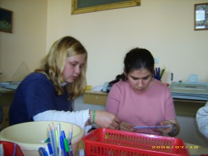Freiwillige helfen bei der Therapie